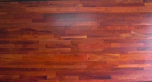 Sàn gỗ Giáng Hương ghép thanh có giá rẻ hơn loại nguyên thanh